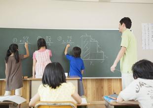 <b>教育部要求职校实践性课程应达到总学时60%</b>